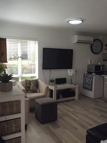 Sunny studio apartment - Devils Peak - Apartment