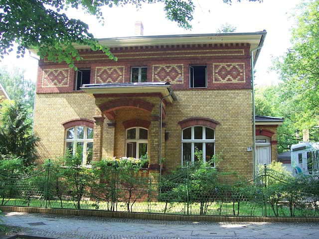 Haus im Grünen in Berlin - Berlim - Casa
