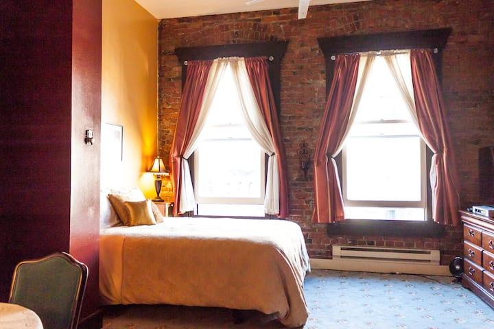 Historic Apartment 301A