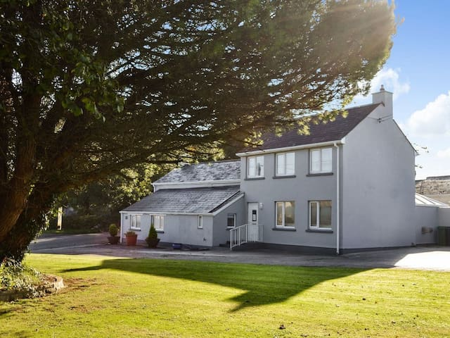 Cox Hill House (UK10222)