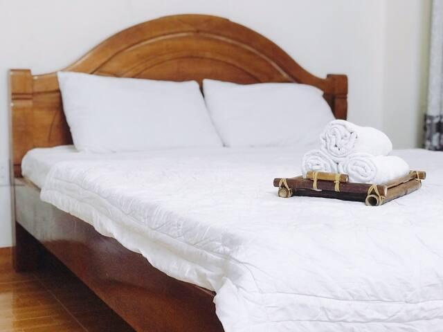 Cheap Price & Quite Room - Van's House