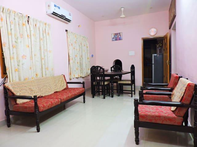 AAHA's Homestay 2 Bedroom AC WiFi Kitchen