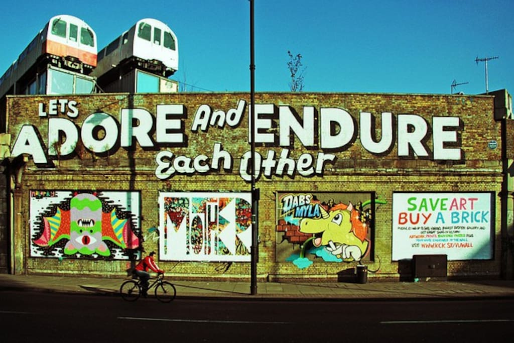 Shoreditch/Old Street is minutes away- the creative heart of London and a great place for food and drink