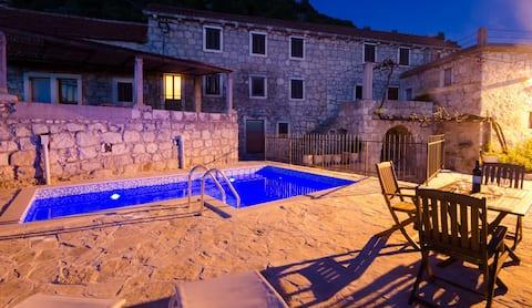 Privévilla met zwembad - Meditteraanse rust
