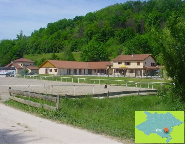 Gite de Groupe , Le CENTAURE - Réaumont - Alojamento na natureza