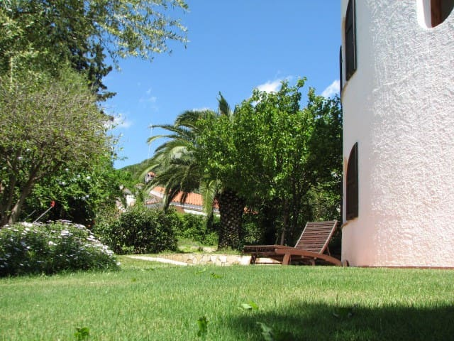 Cagliari, lovely villa near the sea