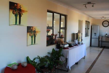 Maloti Guest Lodge