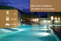 Après une journée de ski ou de randonnée, profitez de quelques heures de relaxation aux Bains de la Gruyère, à quelques kilomètres de notre chambre d'hôte.