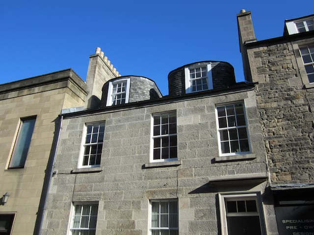 Central Edinburgh 1 Bedroom Flat