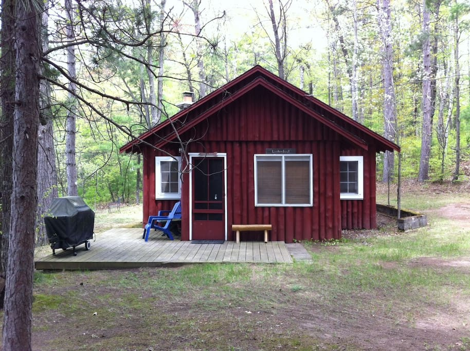 Clasic northwoods lakeside cottage cabins for rent in for Northwoods wisconsin cabin rentals
