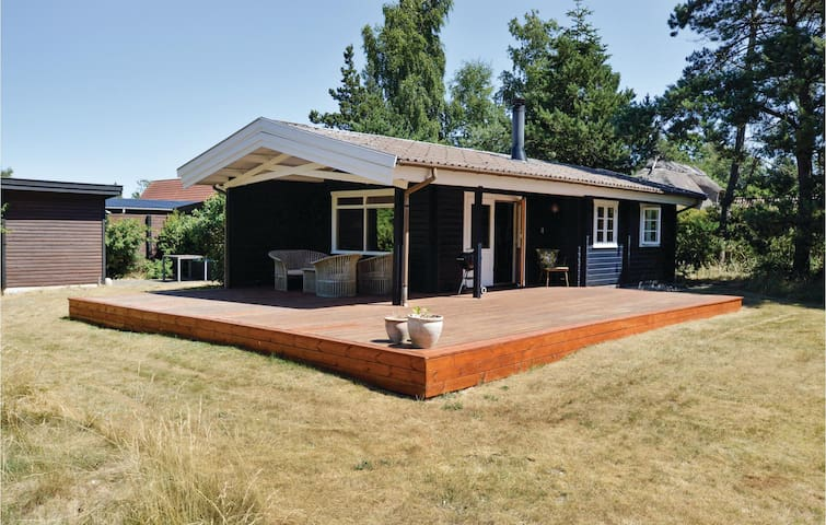 Holiday cottage with 2 bedrooms on 50m² in Højby
