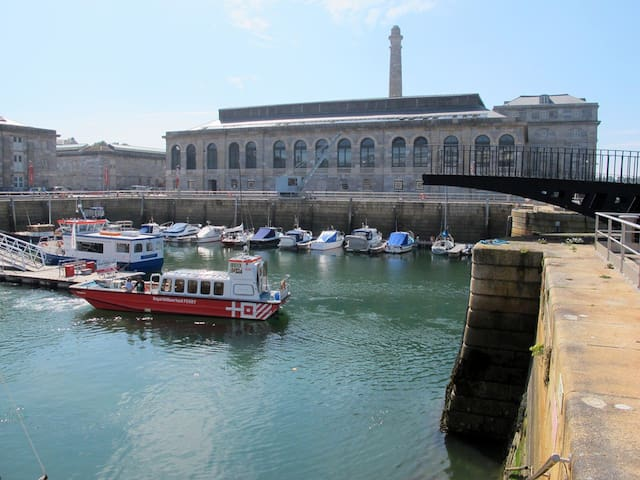 Royal William Yard, Superior Specification - Plymouth - Apartament