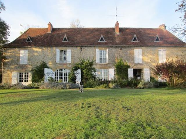 MAISON DE FAMILLE  - Clermont-d'Excideuil - Hus