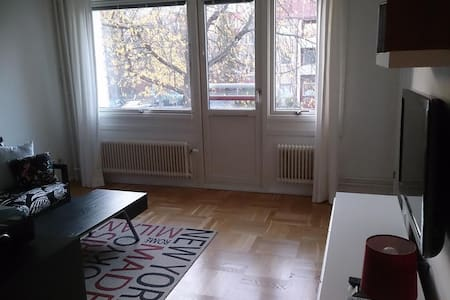Nice apt close to Stockholm - Jakobsberg - アパート