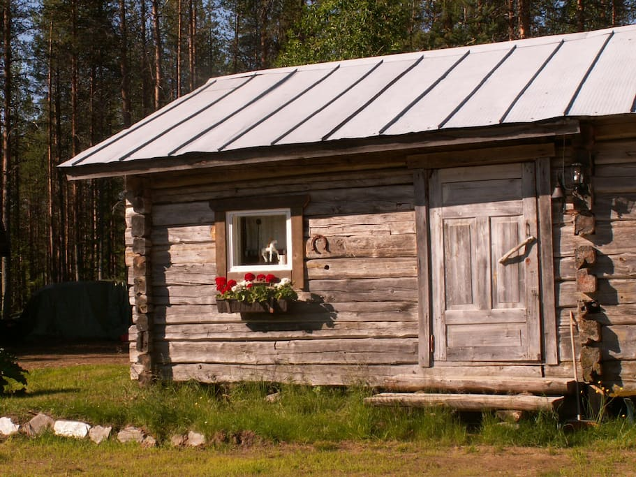 cottage outside in summer