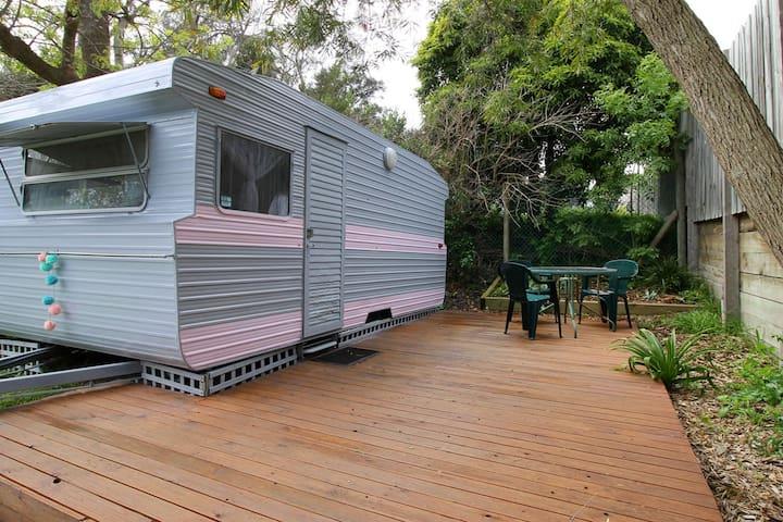 Peggy Sue - Glamping Caravan