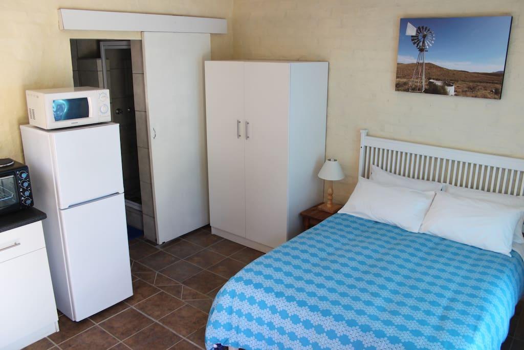 Flat 2 - Double bed room, en-suite bathroom
