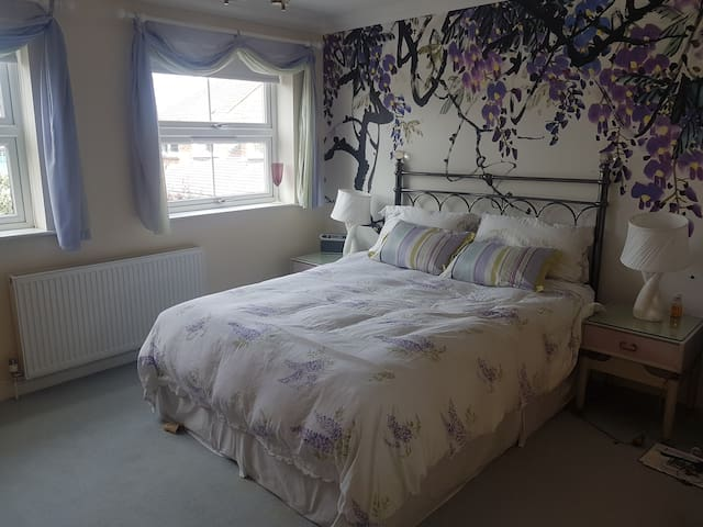 Wisteria double room with en suite shower room