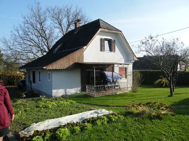 Spacious house in the countryside - Weinburg am Saßbach - Rumah