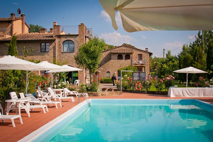 Nice apartment+pool S.Gimignano  - Montaione - Departamento