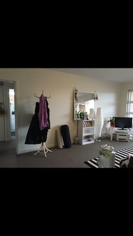 Whole apartment - 2 x Bed - Furnished - Modern