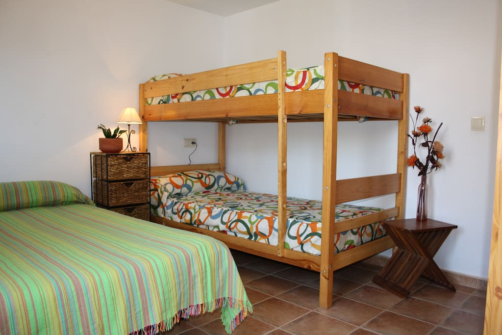 Habitación máximo cinco personas
