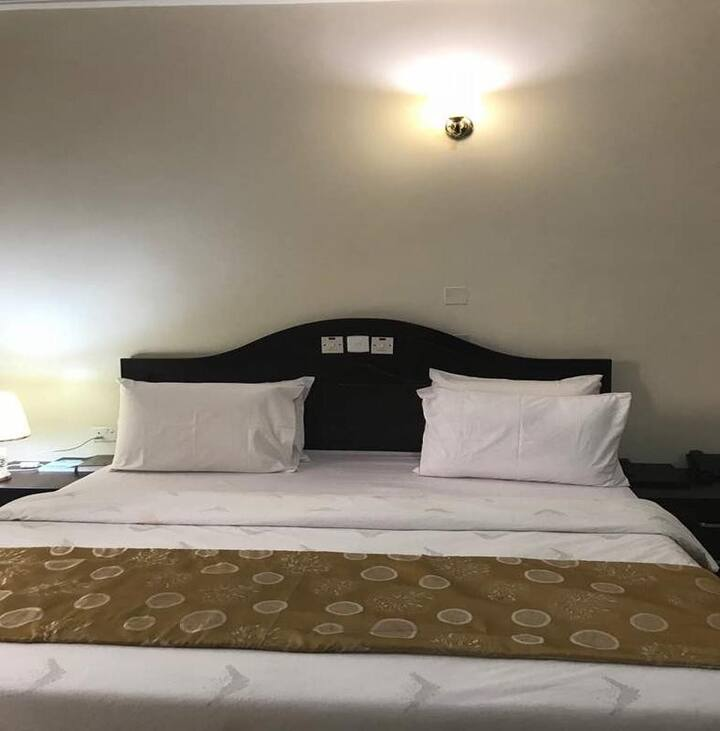 Jim Eddy Suites  - Executive Room