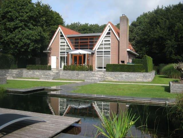 Moderne en ruime villa in Friesland - Oudemirdum - Vila