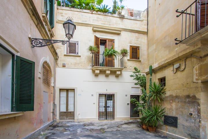 """Mono indipendente """"Cuore di Lecce"""" - Lecce - Apartment"""