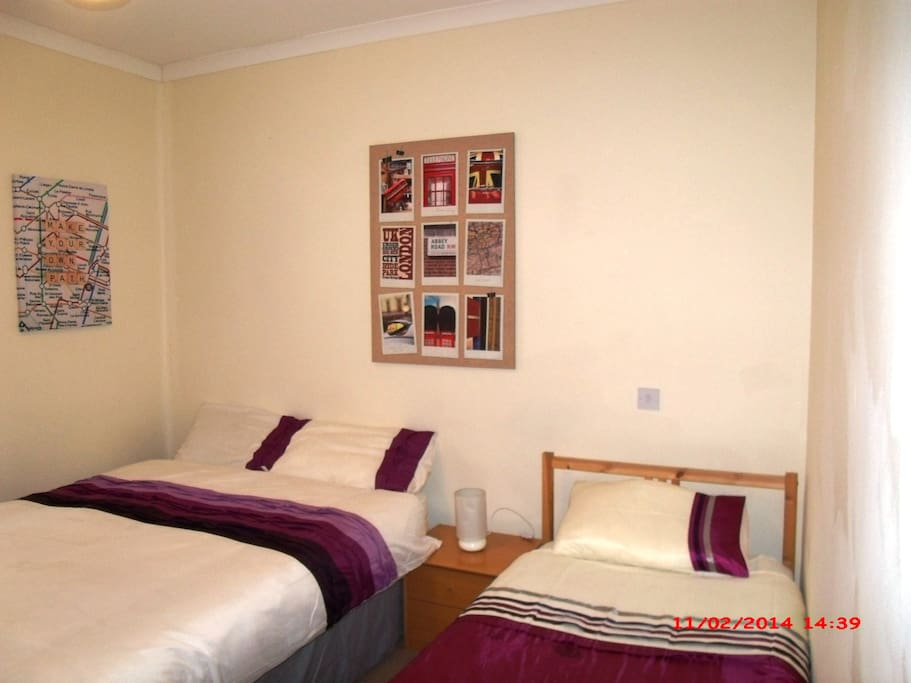 Central London Double or Triple Room picture 3