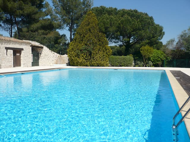 Charming house  - 3 BR, 6 p. - 10km from St-Tropez - Gassin - Huis