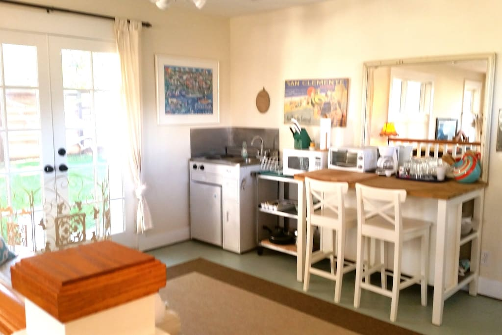 Kitchenette, French Doors, Sitting Area.