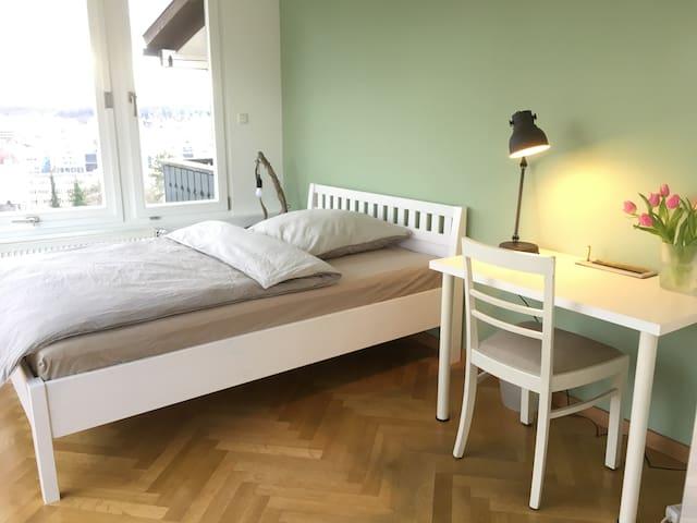 Bett 1,40 x 2,00 m
