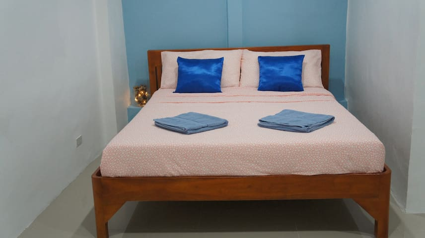 Room 4 - Travelers' Guesthouse Bed & Coffee