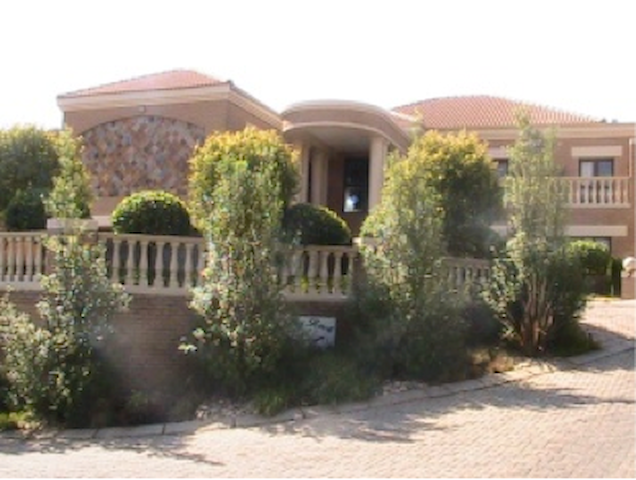 Seven Sunny Rock Guest House - Roodepoort - Bed & Breakfast