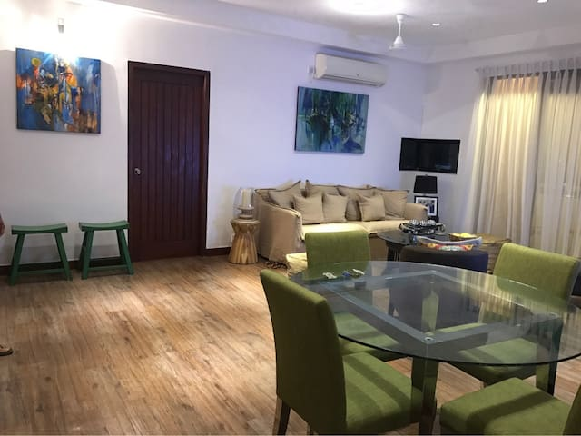 Central Colombo 3 Bed Apartment with Rooftop Pool - Colombo - Daire