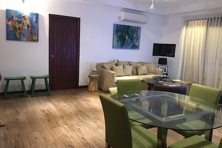 Central Colombo 3 Bed Apartment with Rooftop Pool - 科伦坡 - 公寓