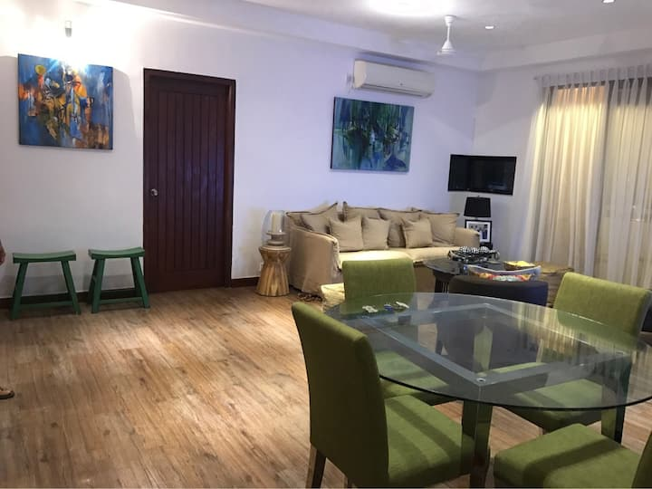 Central Colombo 3 Bed Apartment with Rooftop Pool