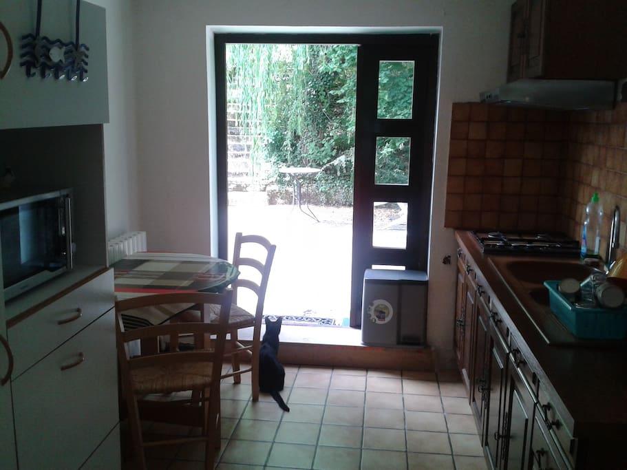 cuisine accès terrasse