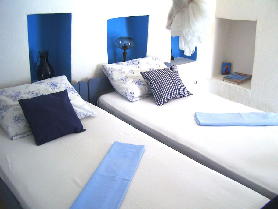 Greek room - all in fresh white/blue colors