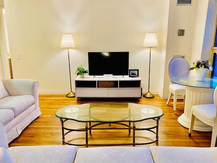 Great location Cozy Downtown Apartment Nice View 1