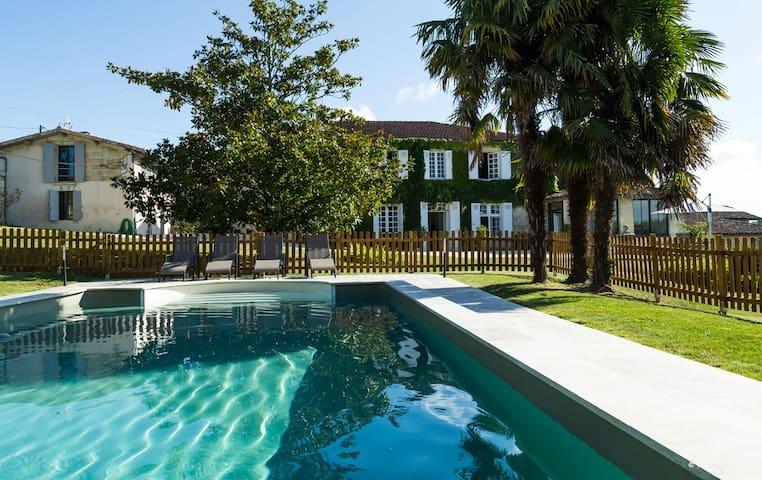 Grande maison familiale à 20 minutes de Bordeaux