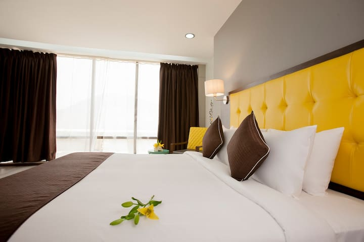 Mango Cozy Hotel Room-Navi Mumbai - Airoli