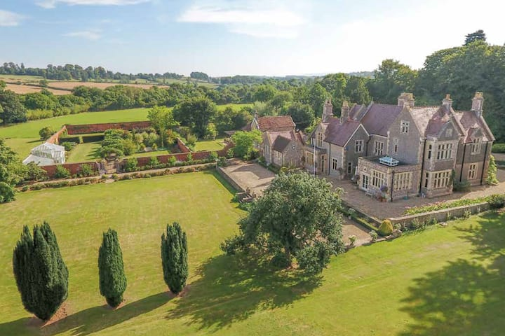Victorian Manor Somerset Estate