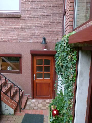 Moderne, ruhig gelegene Wohnung - Kiel - Pis