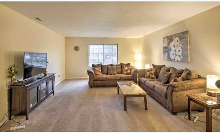 Stylish & Comfy  Entire Condominium 3 BR 2Bath