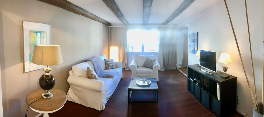 Suncity: 3  Zimmer Apartment  in der Altstadt