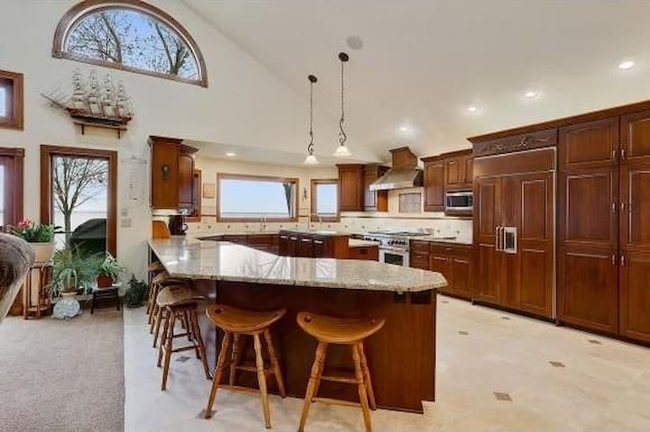 butte des morts singles See homes for sale in butte des morts, wi homefindercom is your local home source with millions of listings, and thousands of open houses updated daily.