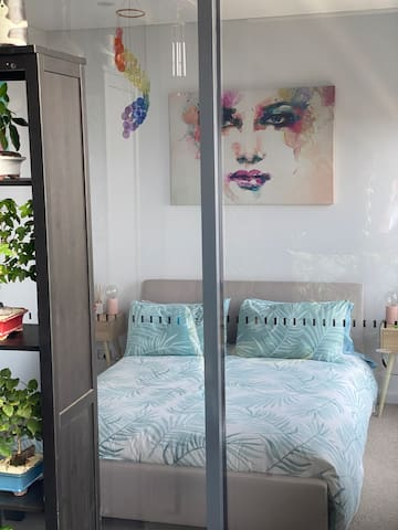 Sydney's cutest room with private bathroom