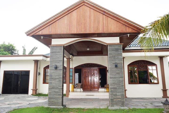 Adeeva Villa 2 - Batu Layar - Villa